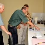 Visita do Chefe de Pesquisa da Força Aérea Americana (USAF), Dr. Harold Weinstock e de pesquisadores da Base Aérea de Hanscom - Foto 14